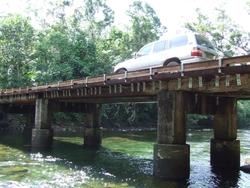 Noak_Creek_Bridge_resized